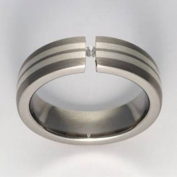 Titan Ringe mit Feinsilber mit Brillant T12-0563.32